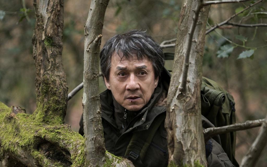 'Ke ngoai toc': Mot Thanh Long bi kich, cuc doan va tan nhan hinh anh 4