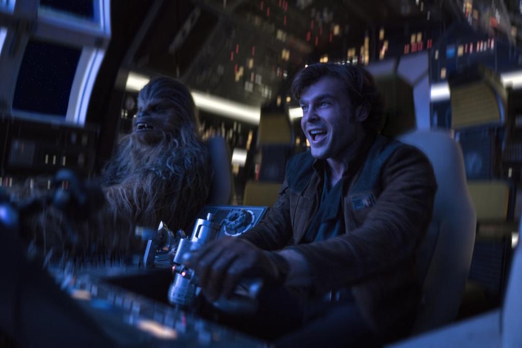 'Solo': Tap phim ngoai truyen thu vi cua 'Chien tranh giua cac vi sao' hinh anh 3