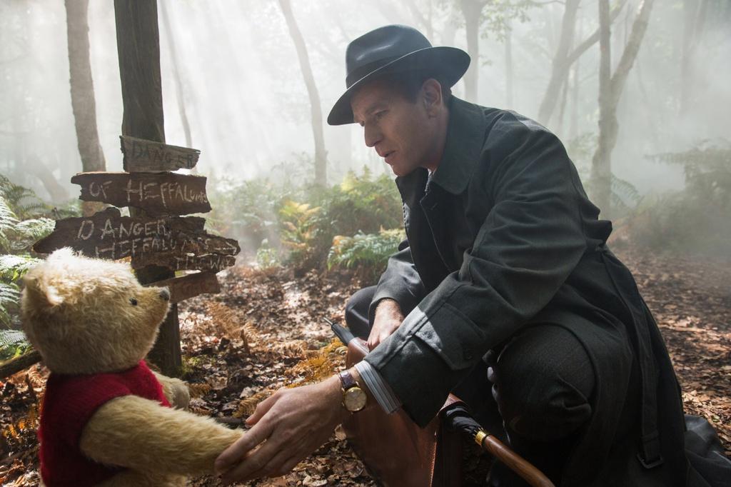 'Christopher Robin': Cai gia danh cho nhung giac mo hinh anh 3