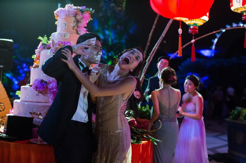 'Con nha sieu giau chau A': Bai toan khong de nhan cua Warner Bros. hinh anh 2