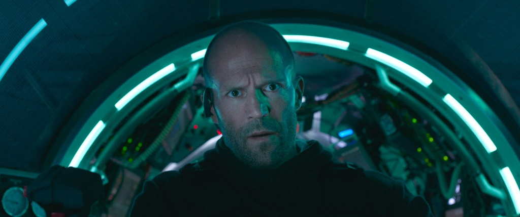 'The Meg' giup Jason Statham tam nhinh hon The Rock tai phong ve hinh anh 3