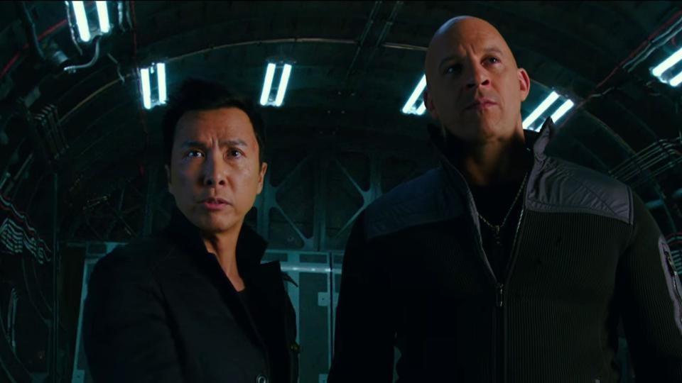 'The Meg' giup Jason Statham tam nhinh hon The Rock tai phong ve hinh anh 1