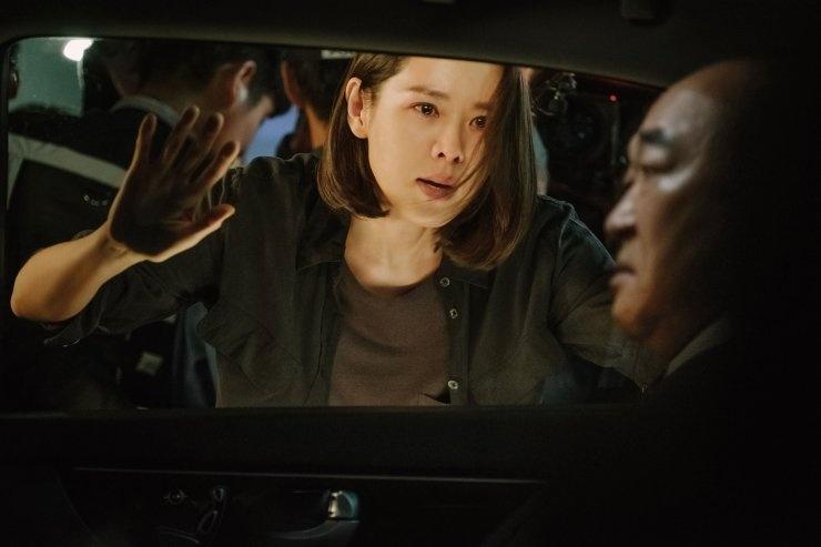 'Cuoc dam phan sinh tu': Hyun Bin an tuong qua vai phan dien kho doan hinh anh 3