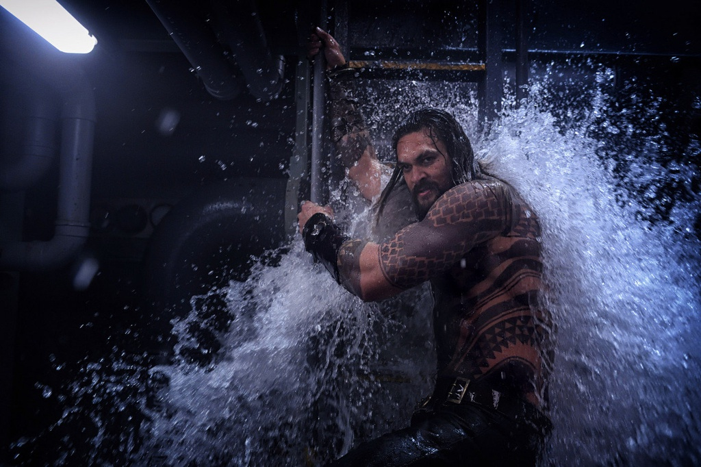 'Aquaman' - bom tan du suc hoi sinh Vu tru dien anh DC hinh anh 3
