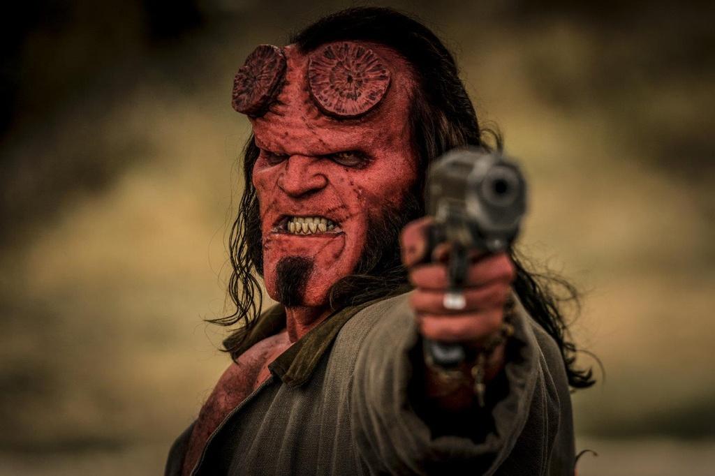 'Hellboy' (2019) - bao luc va dam mau nhung noi dung nham chan hinh anh 4