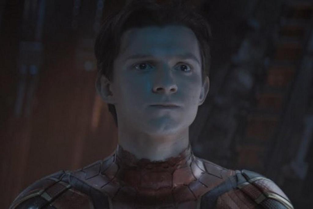 Roi Marvel, Spider-Man de lai day cam xuc o cac bom tan anh hung hinh anh 3