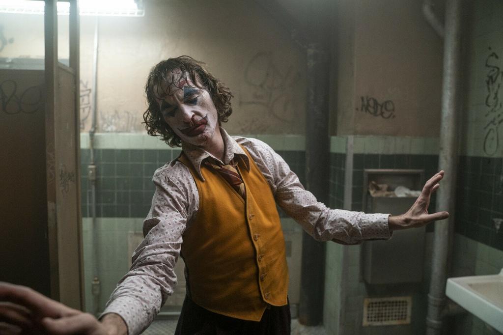 'Joker' - cau chuyen den toi ve ga he dien o thanh pho Gotham hinh anh 3