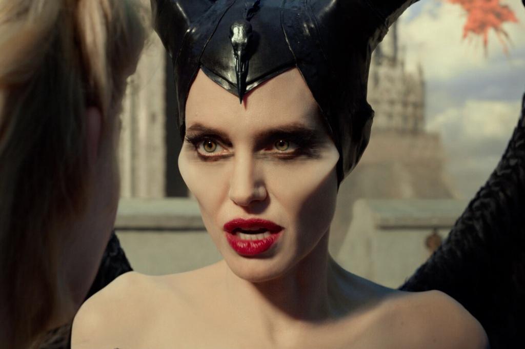 'Tien hac am 2' - chi co Angelina Jolie la dang xem hinh anh 3