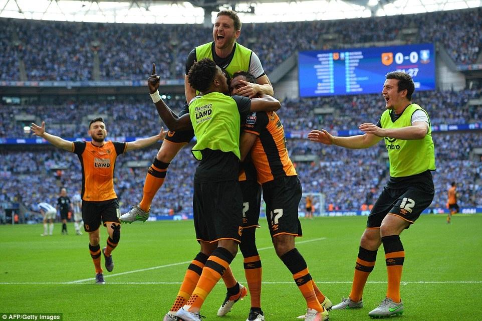 Hull City tro lai NH Anh sau tran cau dat gia nhat the gioi hinh anh 4