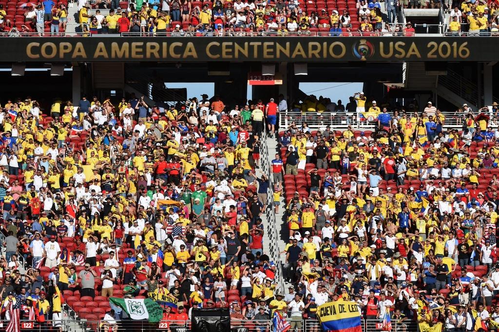 Nhung bong hong trong ngay khai man Copa America hinh anh 12