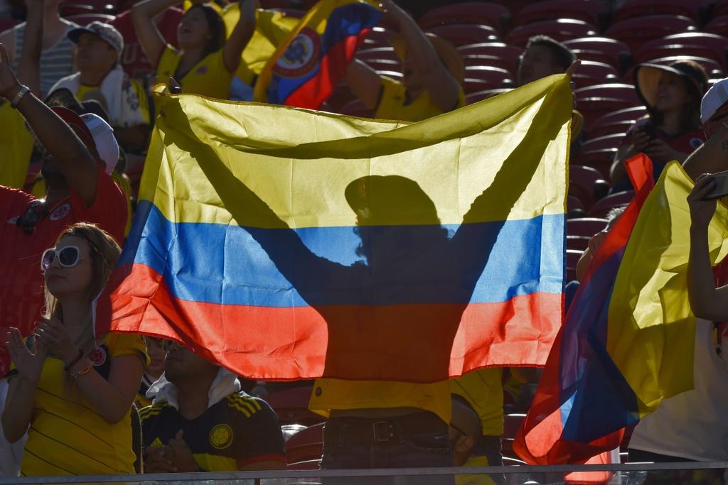 Nhung bong hong trong ngay khai man Copa America hinh anh 6