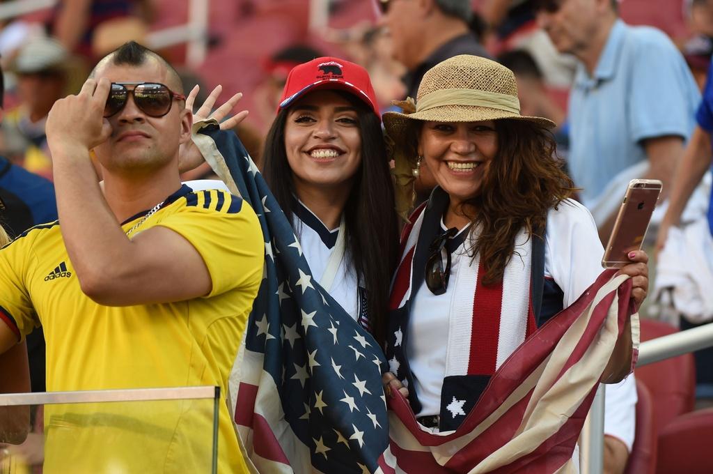 Nhung bong hong trong ngay khai man Copa America hinh anh 7