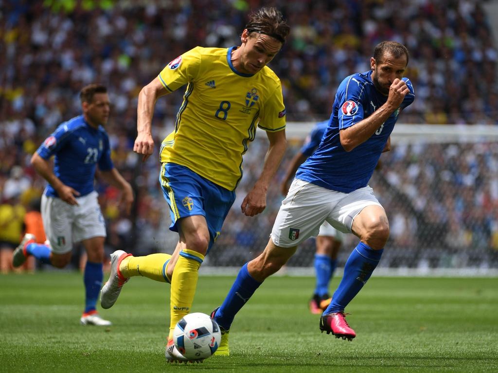 Cham diem Italy vs Thuy Dien: Con gio la goc Brazil toa sang hinh anh 19