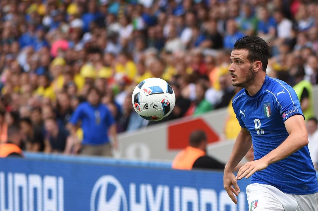 Cham diem Italy vs Thuy Dien: Con gio la goc Brazil toa sang hinh anh 8