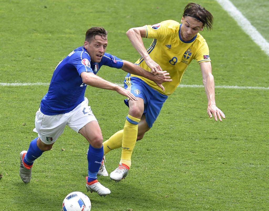 Cham diem Italy vs Thuy Dien: Con gio la goc Brazil toa sang hinh anh 10
