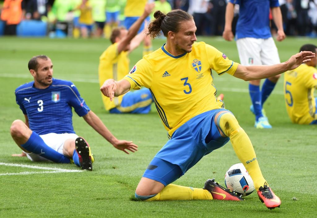 Cham diem Italy vs Thuy Dien: Con gio la goc Brazil toa sang hinh anh 15
