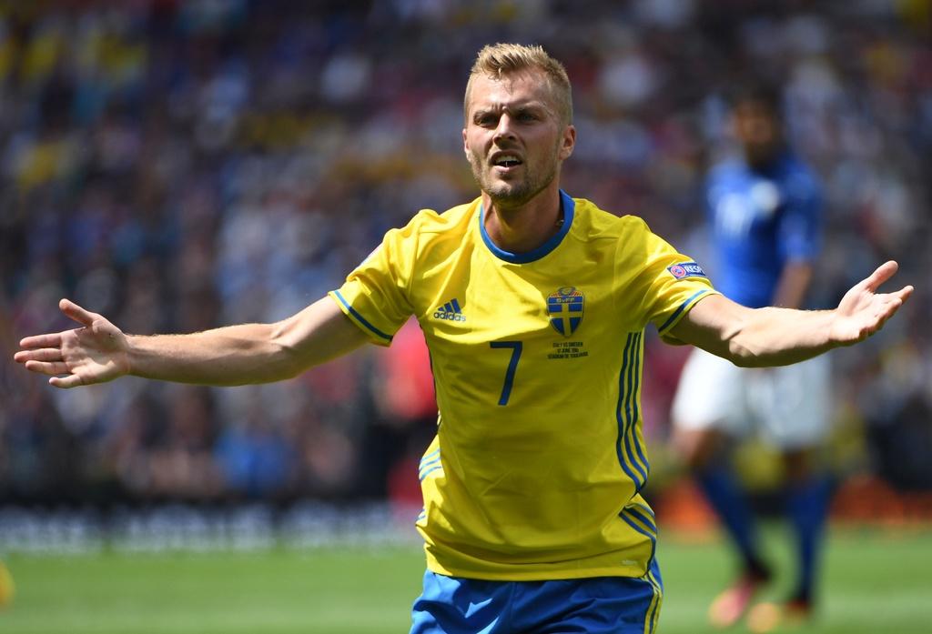 Cham diem Italy vs Thuy Dien: Con gio la goc Brazil toa sang hinh anh 18