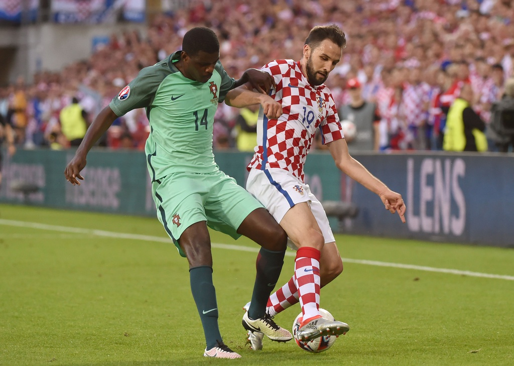 Cham diem Croatia vs BDN: Phut thang hoa bat chot cua CR7 hinh anh 7