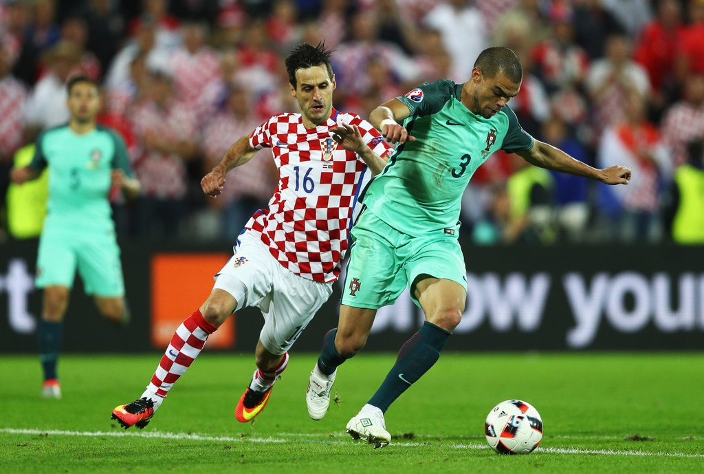 Cham diem Croatia vs BDN: Phut thang hoa bat chot cua CR7 hinh anh 15