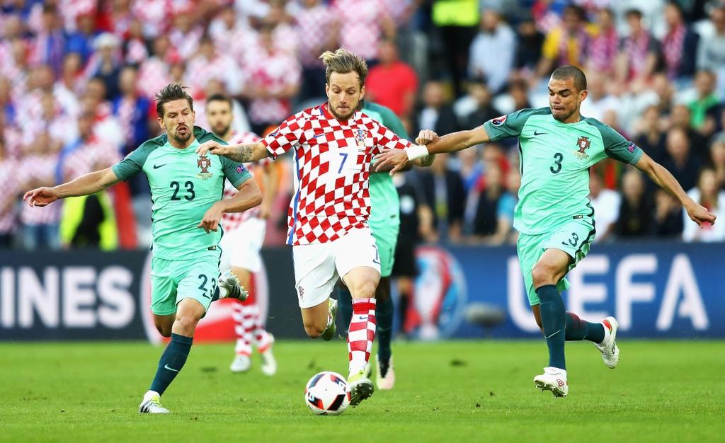 Cham diem Croatia vs BDN: Phut thang hoa bat chot cua CR7 hinh anh 10