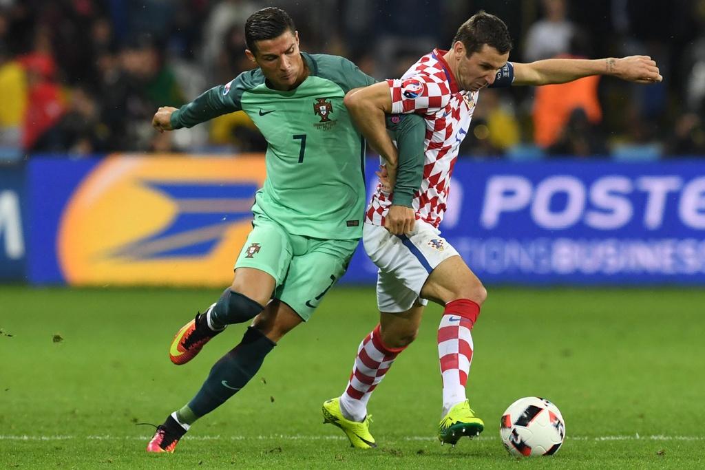 Cham diem Croatia vs BDN: Phut thang hoa bat chot cua CR7 hinh anh 6