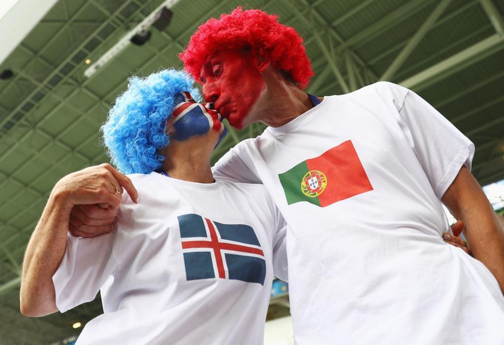 Muon kieu nu hon tai Euro 2016 hinh anh 14