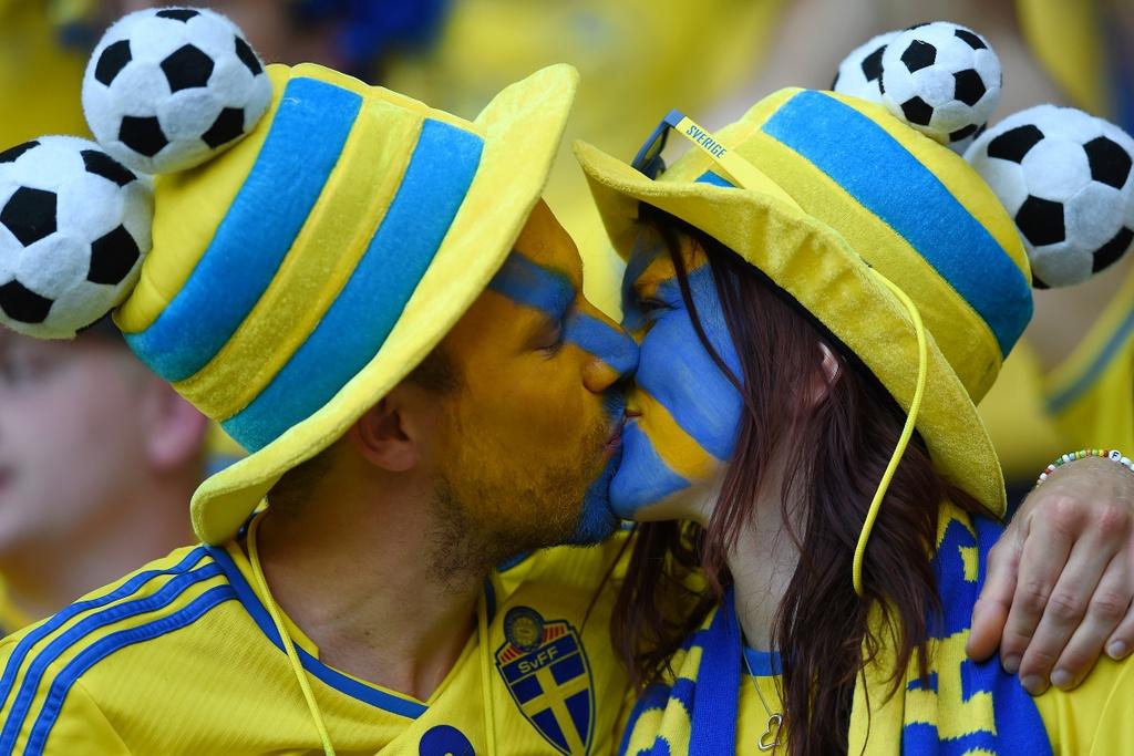 Muon kieu nu hon tai Euro 2016 hinh anh 11
