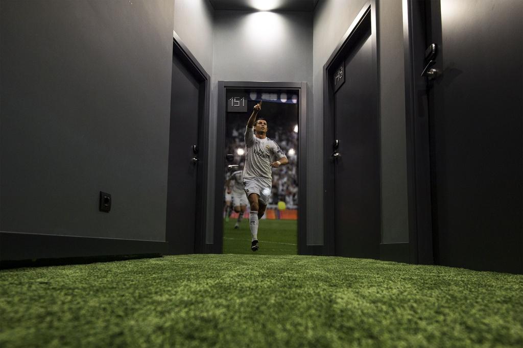 Ben trong bao tang va khach san moi khai truong cua Ronaldo hinh anh 9