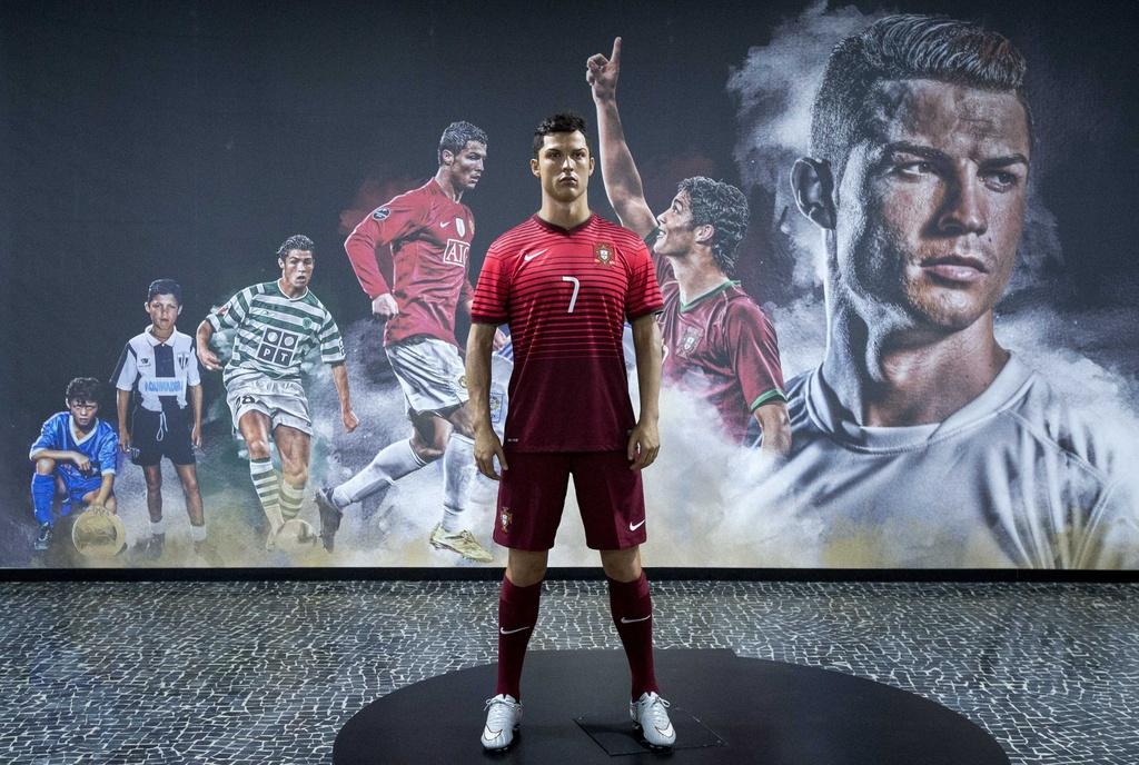 Ben trong bao tang va khach san moi khai truong cua Ronaldo hinh anh 1