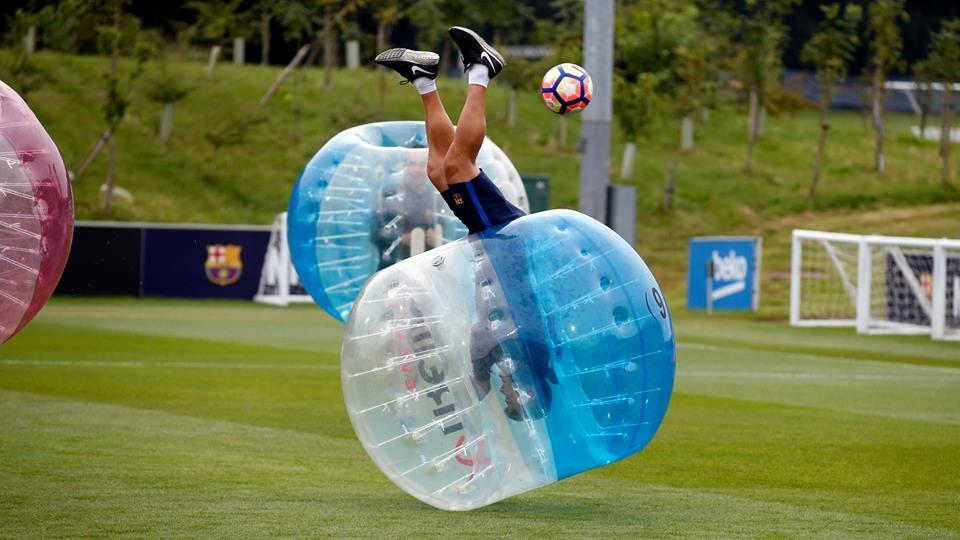 Messi va dan sao Barca huc nhau anh 6