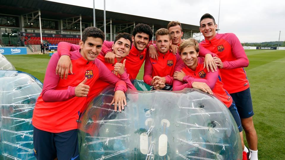 Messi va dan sao Barca huc nhau anh 9