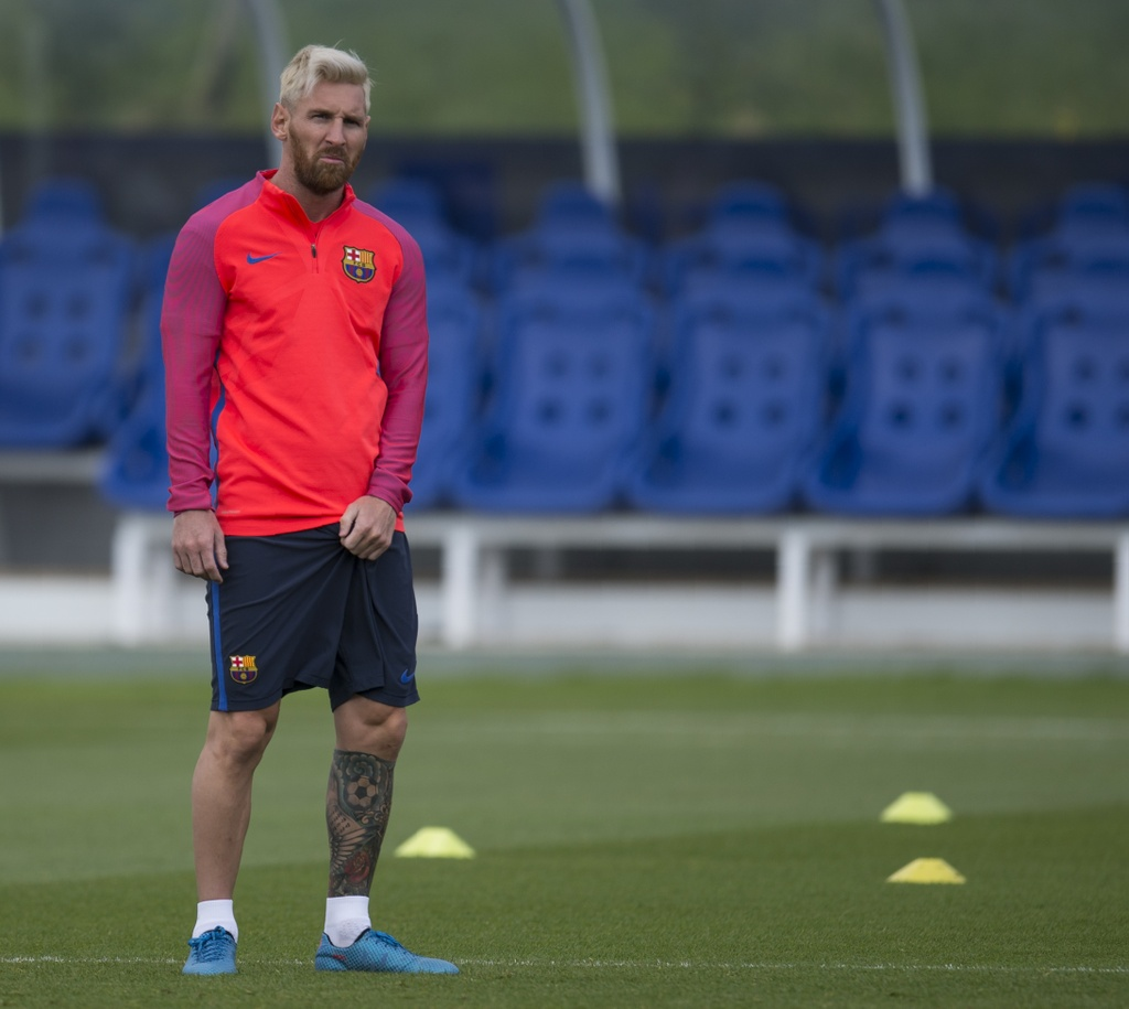 Messi va dan sao Barca huc nhau anh 11