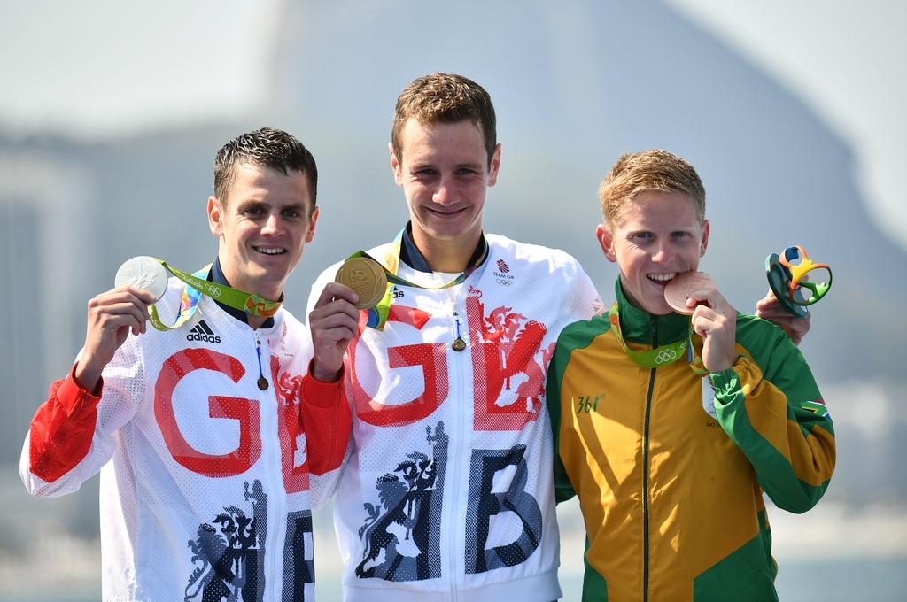 Cap anh em nguoi Anh thong tri duong dua 'Ironman' Olympic hinh anh 12
