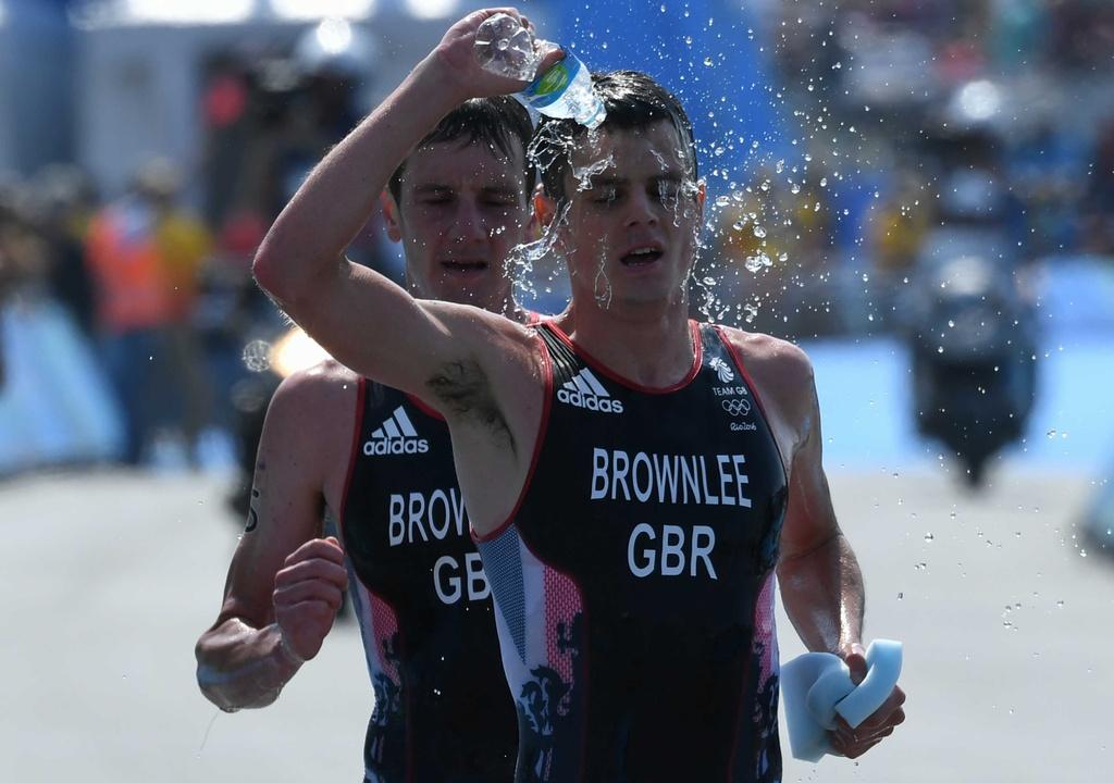 Cap anh em nguoi Anh thong tri duong dua 'Ironman' Olympic hinh anh 11