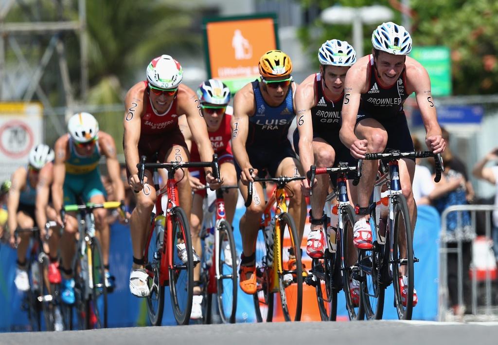 Cap anh em nguoi Anh thong tri duong dua 'Ironman' Olympic hinh anh 9