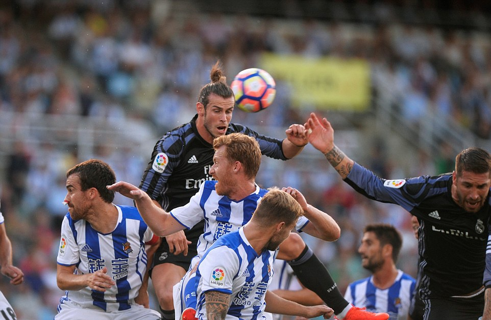 Gareth Bale lap cu dup, Real thang dam tran ra quan hinh anh 2