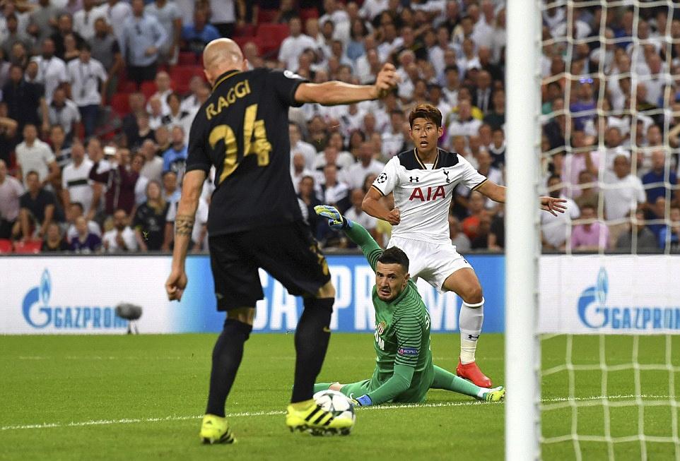 Tottenham bai tran trong ngay lap ky luc tai Wembley hinh anh 8