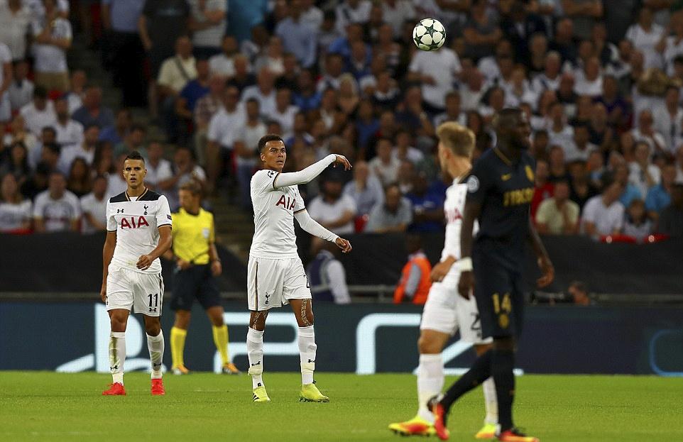 Tottenham bai tran trong ngay lap ky luc tai Wembley hinh anh 2