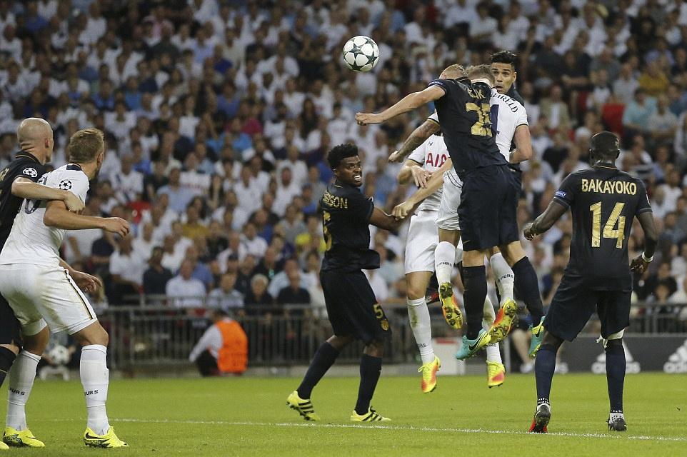 Tottenham bai tran trong ngay lap ky luc tai Wembley hinh anh 6