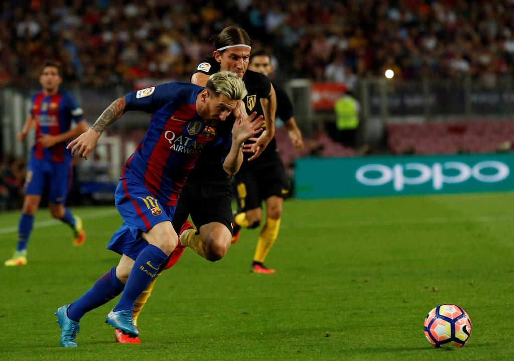 Messi chan thuong, Barca de Atletico cam hoa tai Nou Camp hinh anh 1