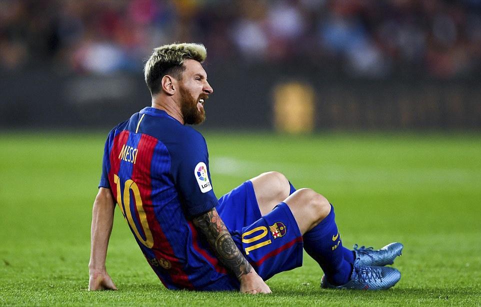 Messi chan thuong, Barca de Atletico cam hoa tai Nou Camp hinh anh 6