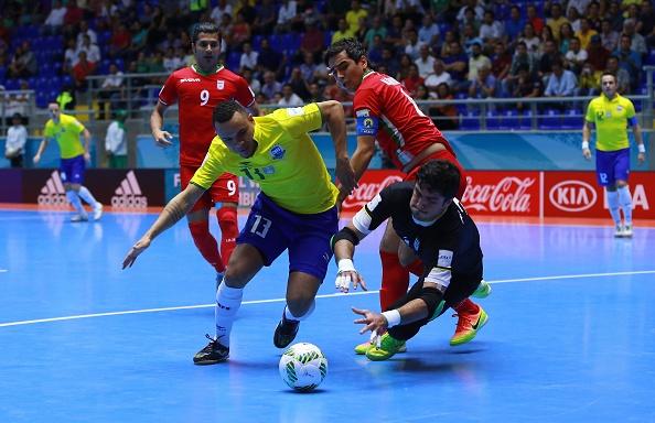 Tuyen Iran tri an 'Vua futsal' Falcao sau tran thang lich su hinh anh 10