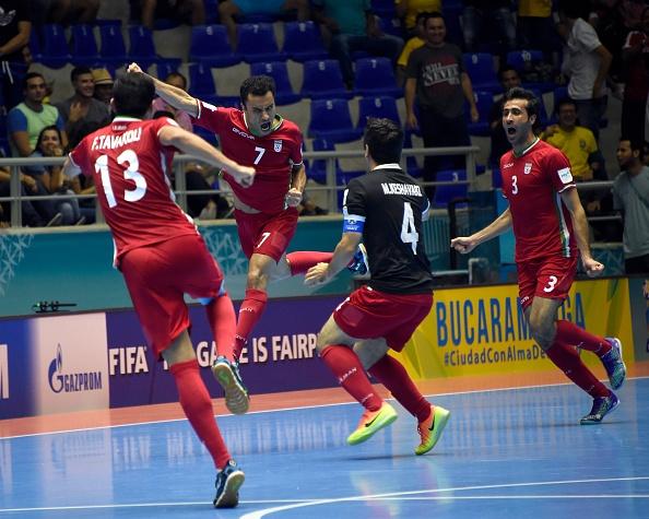 Tuyen Iran tri an 'Vua futsal' Falcao sau tran thang lich su hinh anh 9