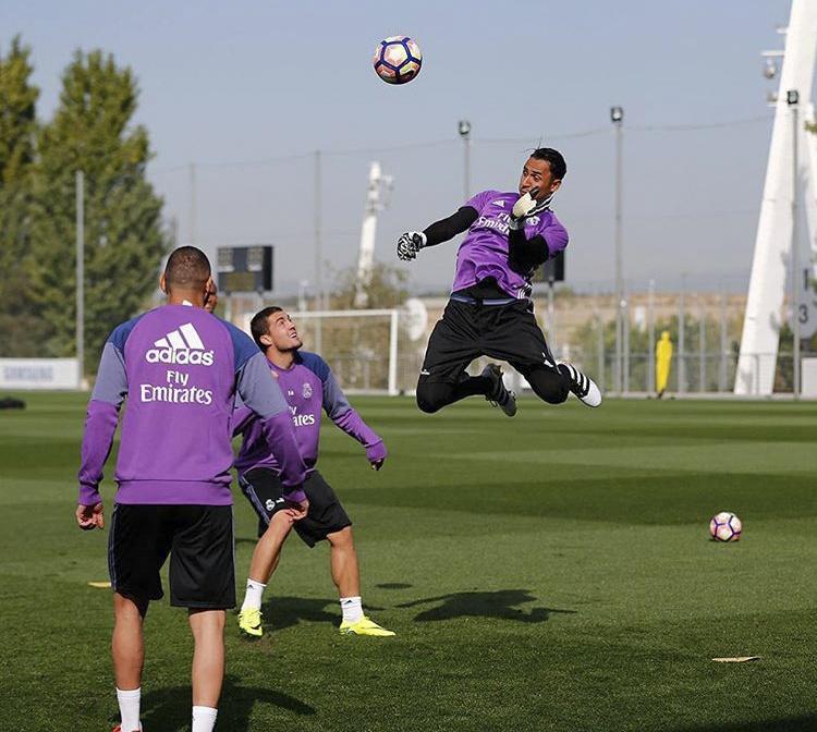 Ronaldo va dong doi gong minh chup anh hai huoc hinh anh 10