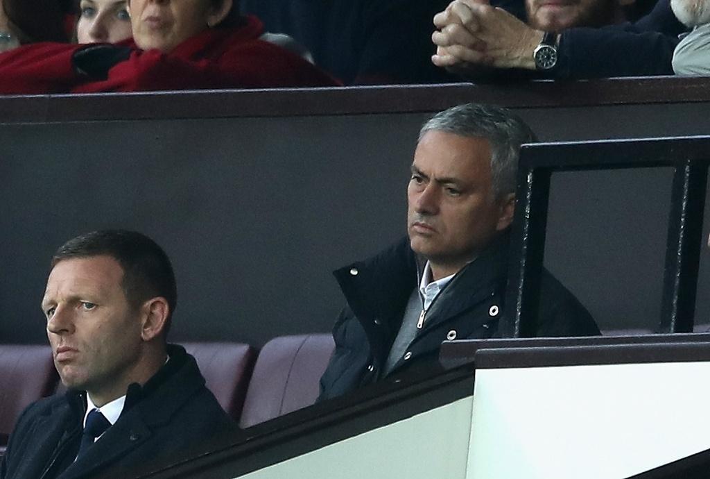Mourinho ngan cam hoc tro chup anh hinh anh 6