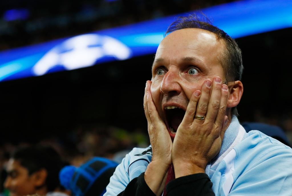 Messi mo ty so, Barca van thua nguoc 1-3 Man City hinh anh 16