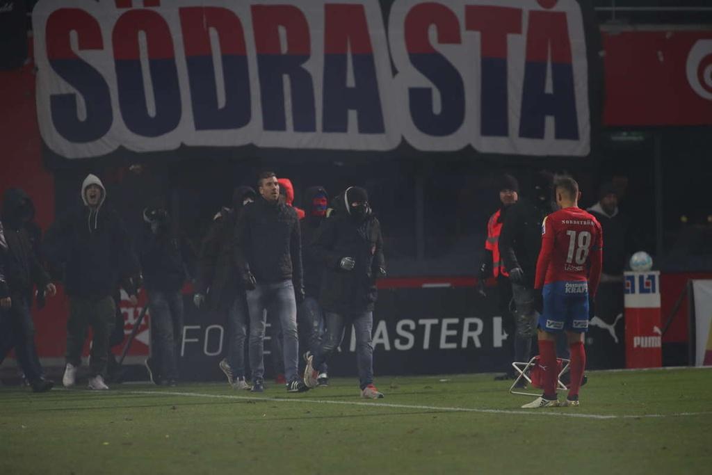 Huyen thoai Henrik Larsson thu the, san sang chien lai fan hinh anh 3