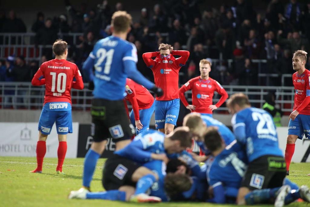 Huyen thoai Henrik Larsson thu the, san sang chien lai fan hinh anh 2