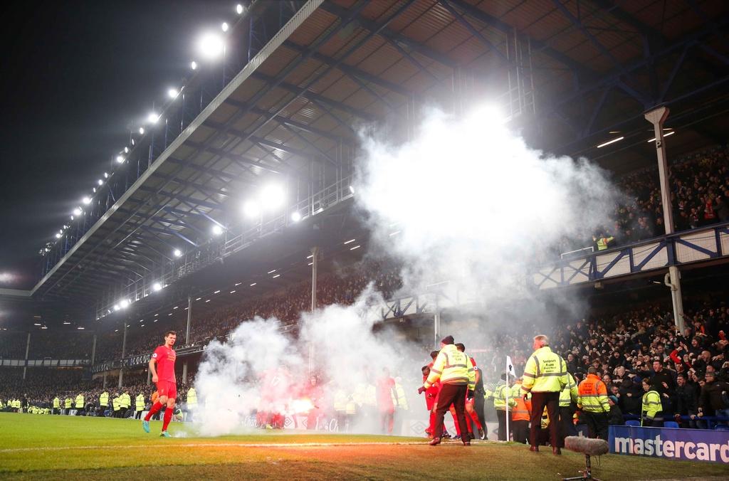 Mane toa sang giup Liverpool thang kich tinh Everton hinh anh 11