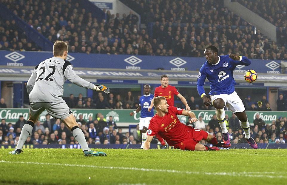 Mane toa sang giup Liverpool thang kich tinh Everton hinh anh 5